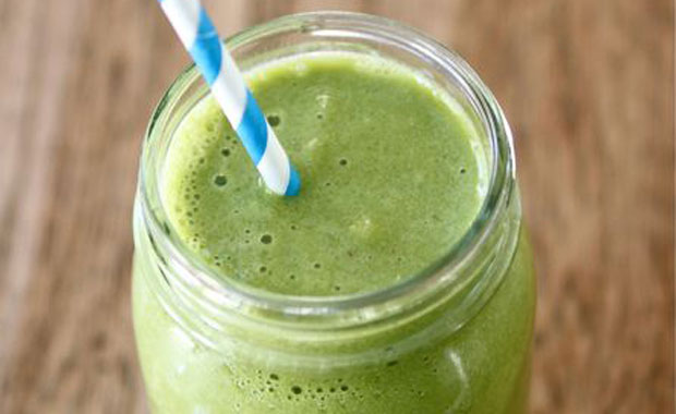 green-smoothie-strohhalm-gross