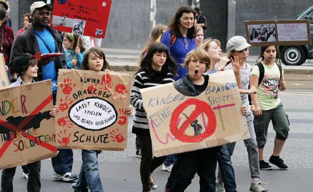 Veranstaltung für Kinder in Berlin: Solidarität bekennen beim Guluwalk