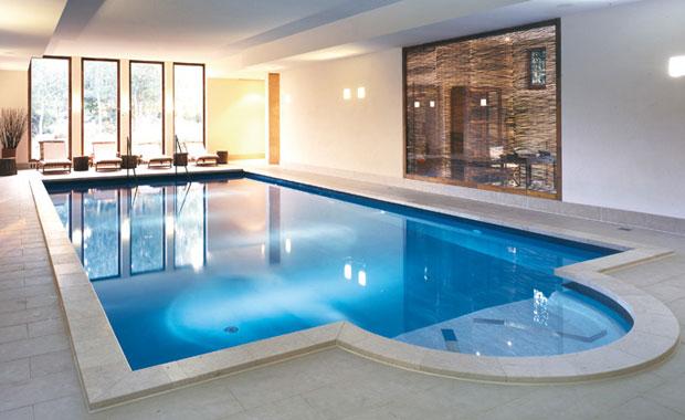 Seehotel-Neuklostersee-Pool©Britta-Smyrak-smartfamilytravel