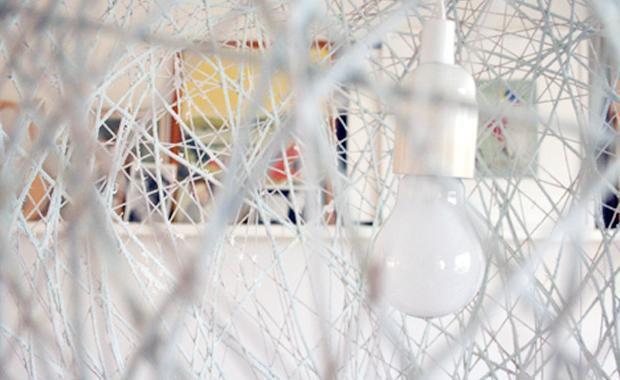 selber machen luftballon lampe himbeer magazin. Black Bedroom Furniture Sets. Home Design Ideas