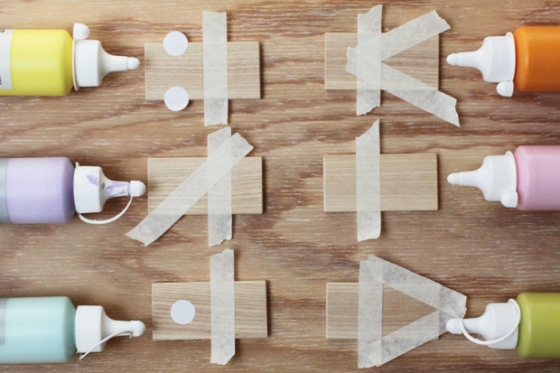 basteln mit kindern farben und formen domino himbeer. Black Bedroom Furniture Sets. Home Design Ideas