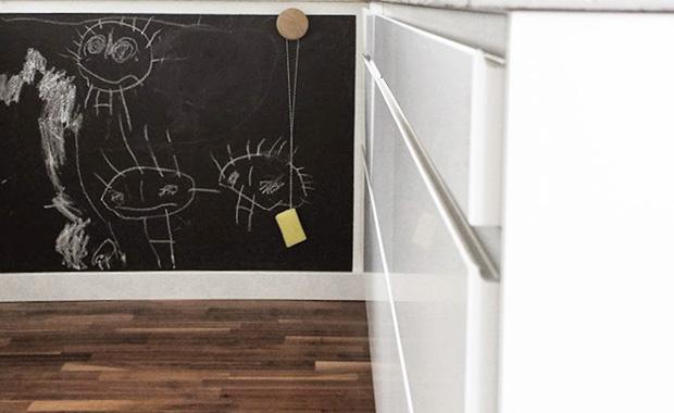 basteln mit kindern tafelwand himbeer magazin. Black Bedroom Furniture Sets. Home Design Ideas