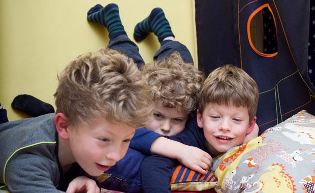 wohnen mit kindern kreativschaffende und ihre raumkonzepte f r kinder. Black Bedroom Furniture Sets. Home Design Ideas