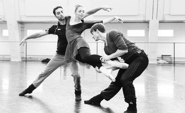 SBB-Altro-Canto-choreografie-Jean-Christophe-Maillot-foto-Yan-Revazov-2308-bearbeitet