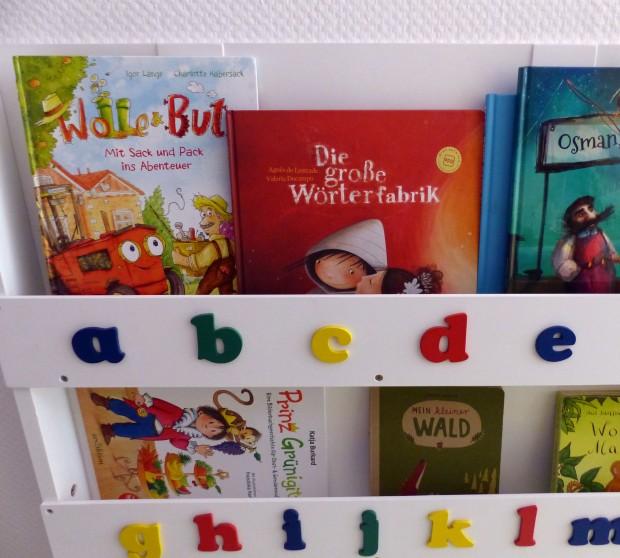 Der Löwenladen hat eine große Auswahl an spannenden Büchern.