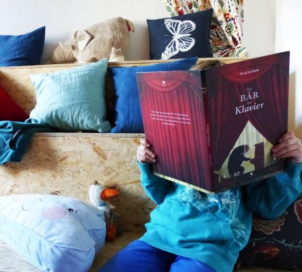 Lesen im Löwenladen