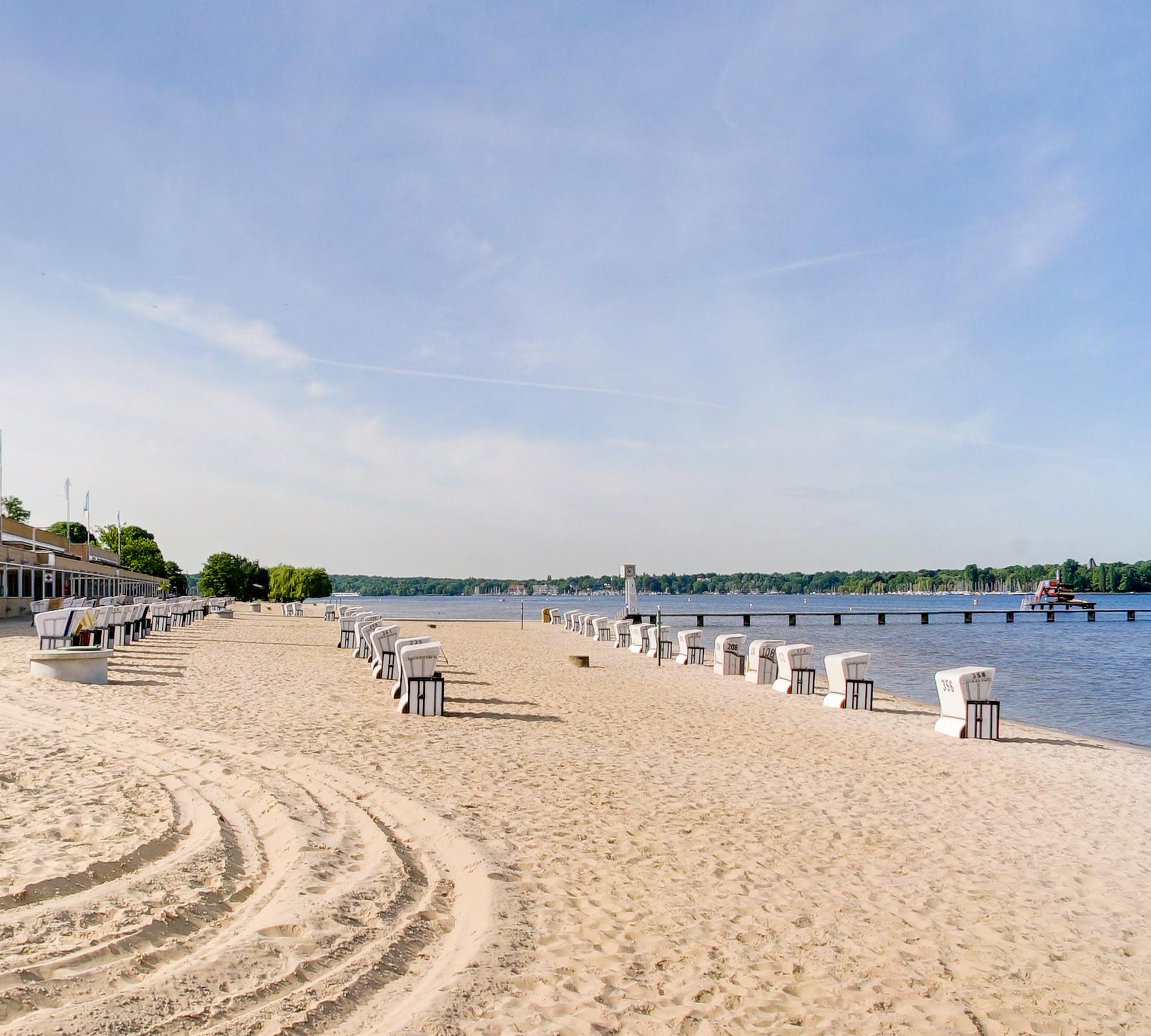 Strand des Strandbad Wannsee | HIMBEER Magazin