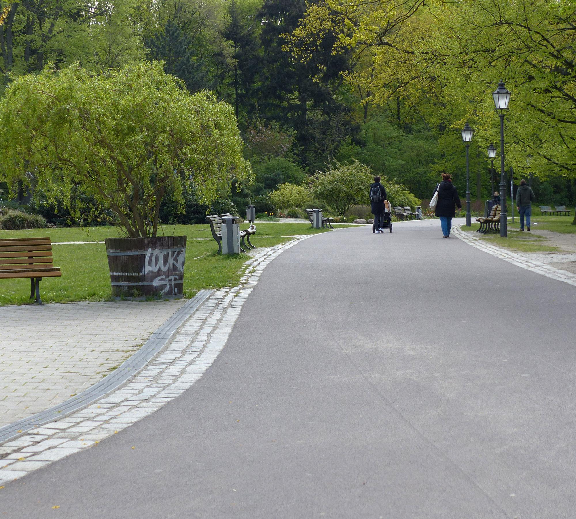 Longboarden geht super im Friedrichshain | HIMBEER Magazin