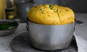 cut_artikelbild_Kurkuma-Cheddar-Kaese-Brot