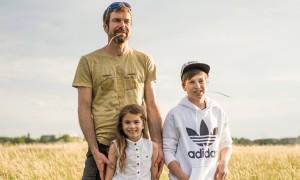 Neue Väter – was sie mit ihren Kindern verbindet: Clemens mit Alma und Jonathan | HIMBEER Magazin
