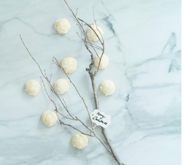 Coconut Snowballsrow
