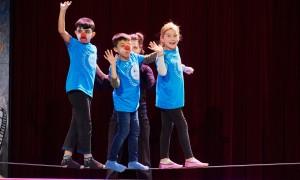 Kinder beim Seiltanz im Zirkus Cabuwazi | BERLIN MIT KIND