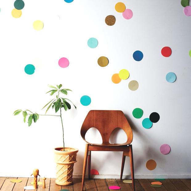 selbermachen konfetti f r die wand himbeer magazin. Black Bedroom Furniture Sets. Home Design Ideas