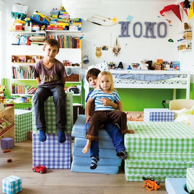 ordnung im kinderzimmer farbe licht staum bel expertentipps. Black Bedroom Furniture Sets. Home Design Ideas